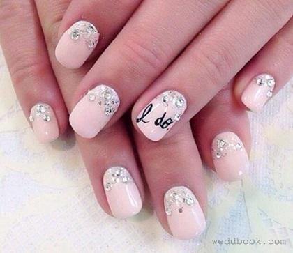 Wedding nail art brides that want to make their nails look extra romantic on their wedding day can let the nail of their ring finger do the talking by having an elegant i prinsesfo Images