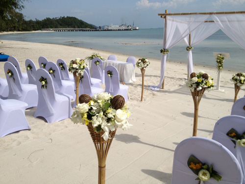 Beach wedding on Phuket