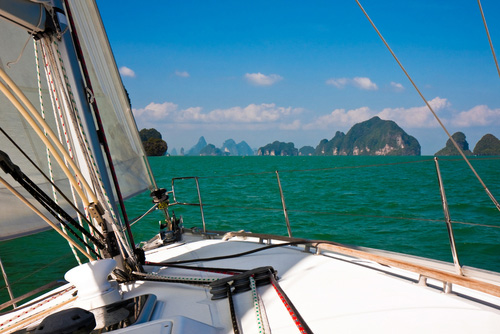 Boat cruising on Phang Nga bay