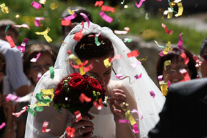 The average wedding budget nationwide in 2012 was US$28,427